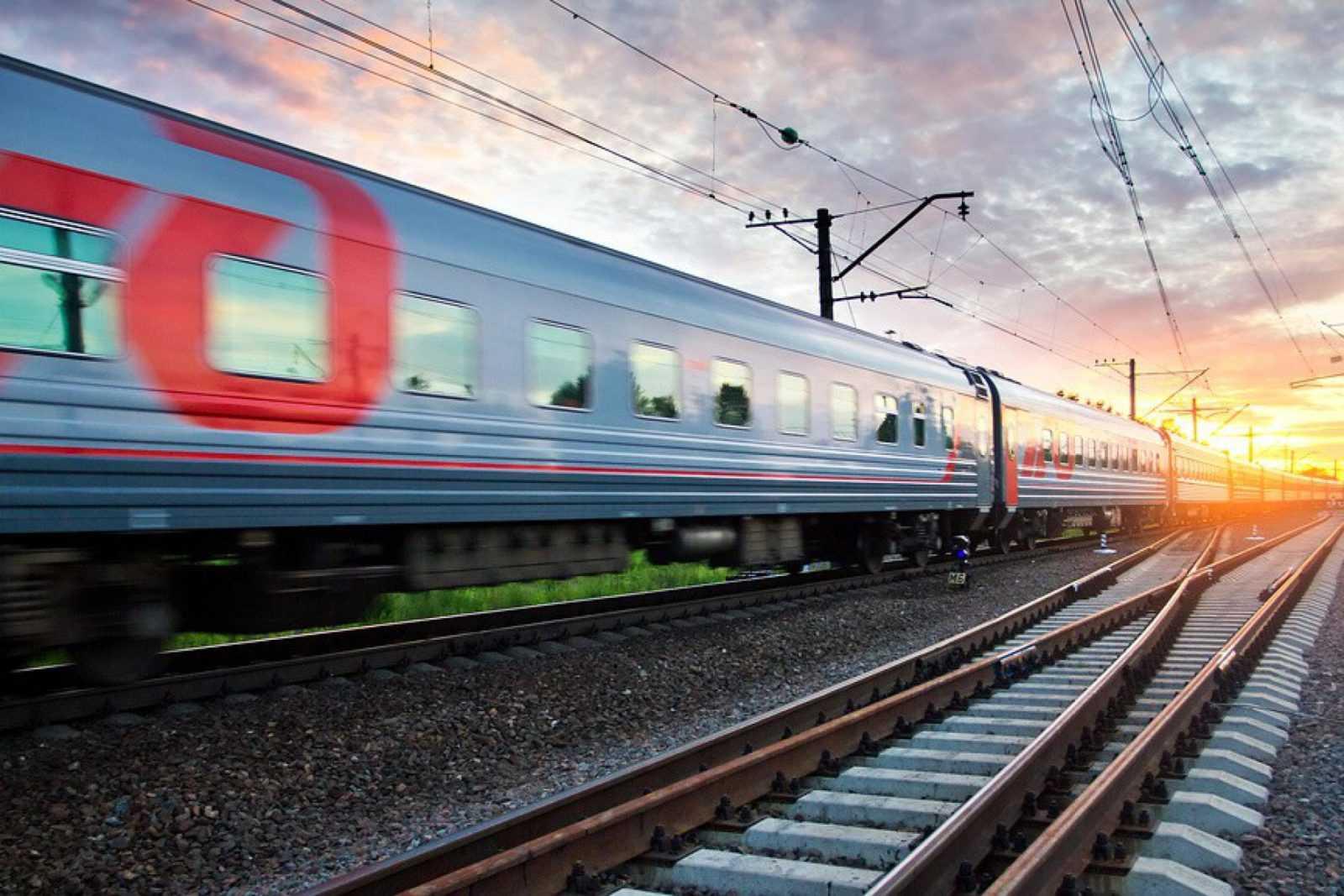 Смотреть фотогалереи локомотивы поезда можете